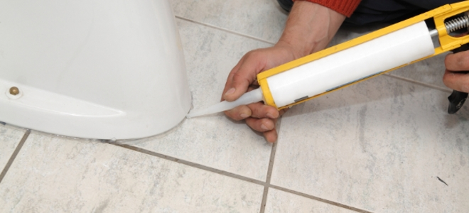 Working with silicone caulk